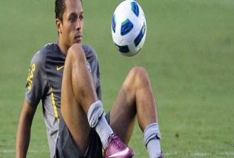 Adriano wie jak zatrzymać Messiego