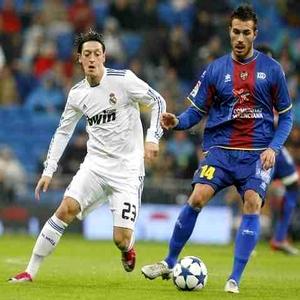 Xavi Torres: Łatwiej pokonać Real, niż Barçę