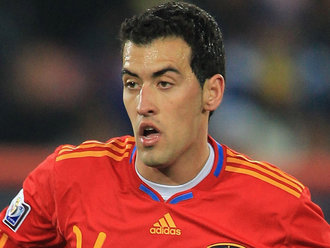 Hiszpania z Busquetsem w obronie?