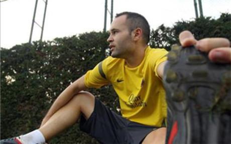 Iniesta trenował z zespołem