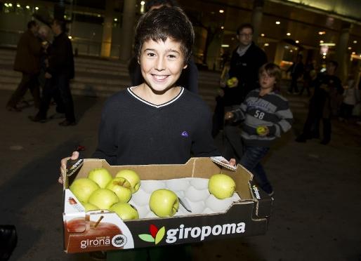 Barça rozdaje jabłka
