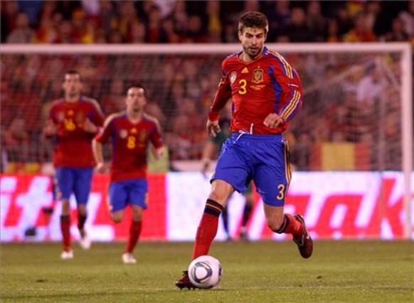Pique więcej gra w reprezentacji niż w Barcelonie