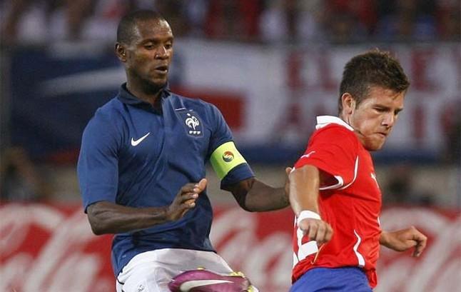 Abidal nie chce być kapitanem Francji