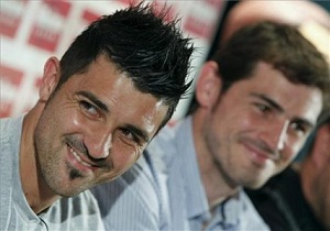 Casillas i Mourinho wspierają Villę