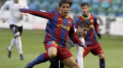 Jonathan dos Santos na celowniku kilku klubów