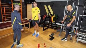 Afellay trenuje już w Barcelonie