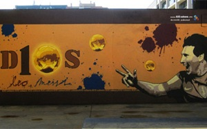 Barcelona świętuje z Messim na graffiti