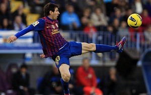 """Leo Messi """"przeskoczył"""" Césara"""