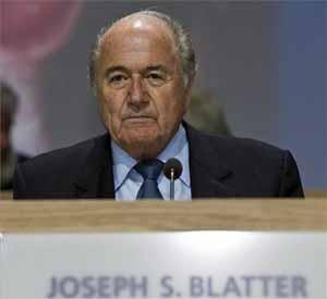 Blatter: To czarny dzień dla futbolu