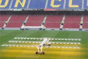 Sucha murawa na Camp Nou?