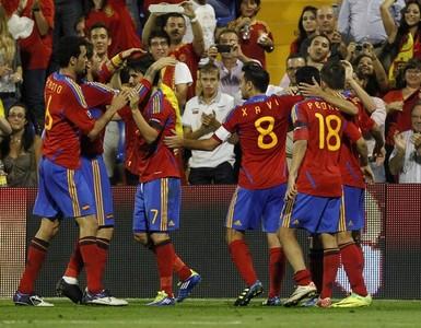 Del Bosque powołał ośmiu graczy Barçy