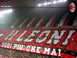 Fani AC Milanu gotowi na starcie z Barceloną