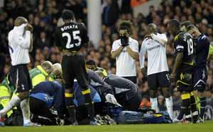 Tragedia na White Hart Lane, Muamba zasłabł
