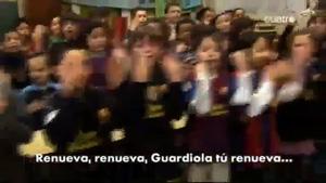 Dziecięcy chór śpiewa dla Guardioli