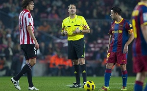 Mateu Lahoz poprowadzi spotkanie z Athletic Bilbao