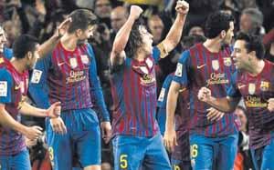Pięć meczów na wywarcie presji na Madrycie