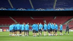 20 zawodników trenowało przed meczem