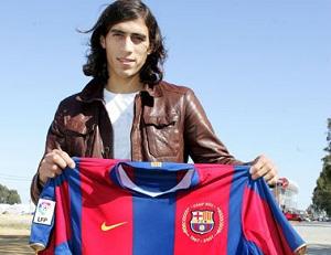 Barça zarobi na transferze Martína Cáceresa