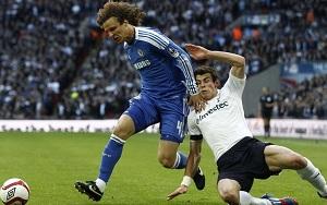Davida Luiza może zabraknąć w meczu z Barçą