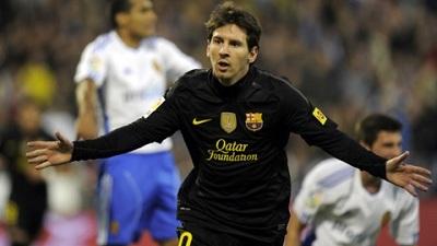 Obroniony karny, czerwona kartka, błysk Leo, gol Pedro: Real Saragossa 1-4 FC Barcelona