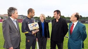 Guardiola z nagrodą Ramona Aramona i Serry