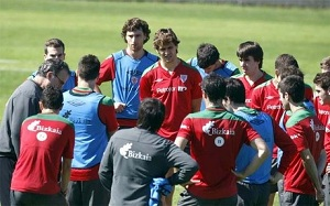 Bielsa zabrał 26 piłkarzy do Madrytu