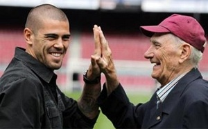 Ramallets i Sadurní wychwalają Valdésa