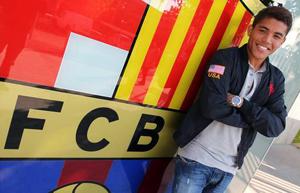 Dos Santos: Z Xavim i Iniestą futbol jest łatwiejszy