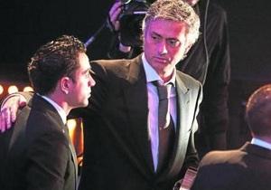 Mourinho: Xavi niech się poświęci piłce nożnej