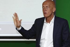 Collina wyjaśnia faul z meczu Barçy i Realu