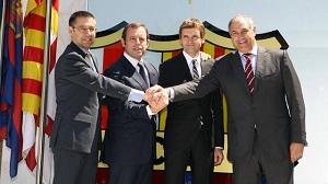 Oficjalne zdjęcie Tito z Rosellem, Bartomeu i Zubim