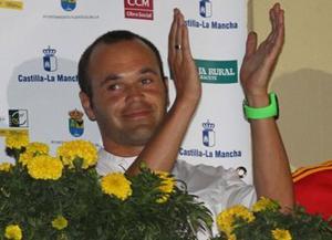 Iniesta uhonorowany w Fuentealbilli