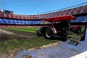 Zmiana murawy na Camp Nou