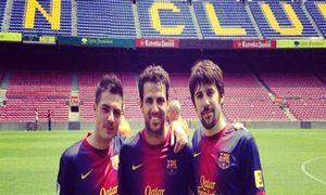Cesc z ojcem i przyjaciółmi na Camp Nou