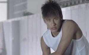 Neymar: Uwielbiam Iniestę, to rewelacyjny piłkarz