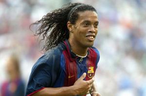 Lato 2003: Ronaldinho przywraca uśmiech na Camp Nou