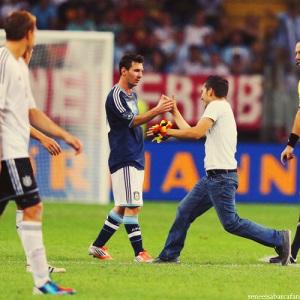 Argentyna wygrywa, Messi strzela