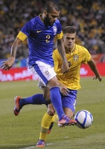 Brazylia wygrywa, Dani Alves asystuje