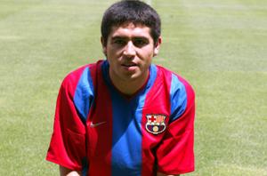 Lato 2002: Wraca Van Gaal, Riquelme w miejsce Rivaldo