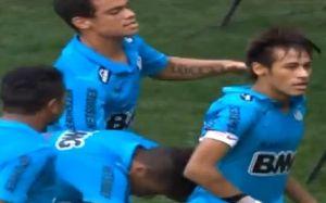"""Neymar """"odpowiada"""" Messiemu"""