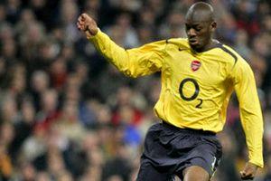 Alternatywą dla Songa byli inni piłkarze Arsenalu