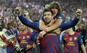 Puyol i  Piqué chcą grać w El Clásico