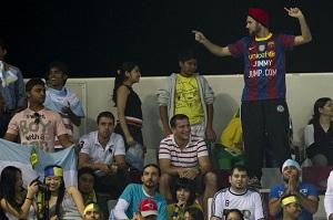 """Jimmy Jump i """"Laser-man"""" zostali złapani na Camp Nou"""