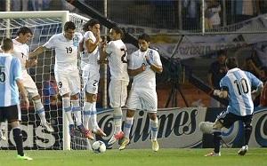 Messi strzela dla Argentyny, jak Ronaldinho