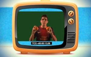 Marc Bartra i Iniesta z Crackòvii w wideoklipie