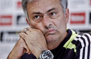 Mourinho: Chciałbym, aby Piqué zagrał