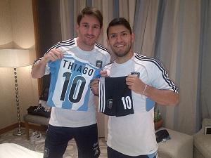 Messi i Agüero świętują narodziny Thiago
