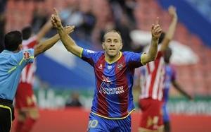 Juanlu: Barça nie narzeka na arbitrów, jak Real