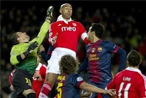 Wspaniały Pinto przeciwko Benfice
