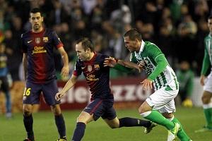 Iniesta i Adriano mogą nie zagrać z Valladolid